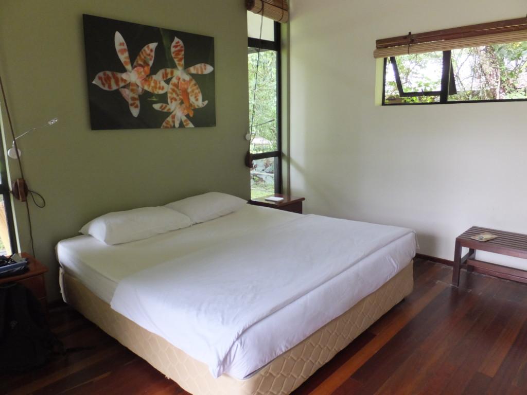 ムル国立公園バンガロー 1泊6500円 だった