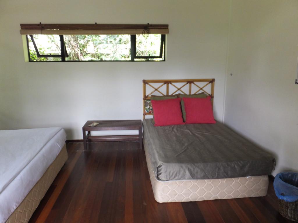 予備のベッド  2014.2.12 グヌン・ムル国立公園