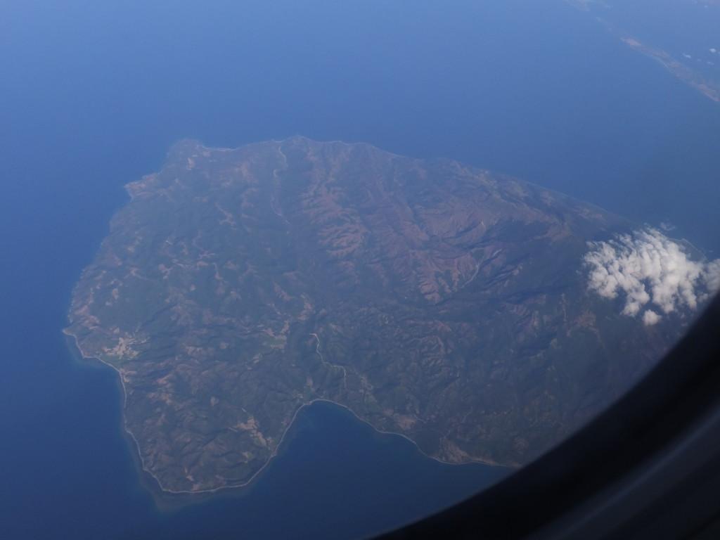 フィリピンミンドロ島上空を飛ぶ直行便 2014.2.15