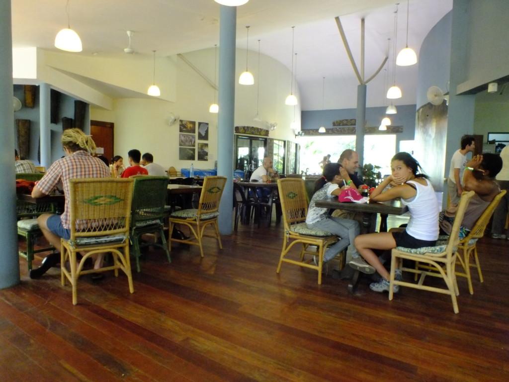 グヌン・ムル国立公園 食堂 2012.7.25