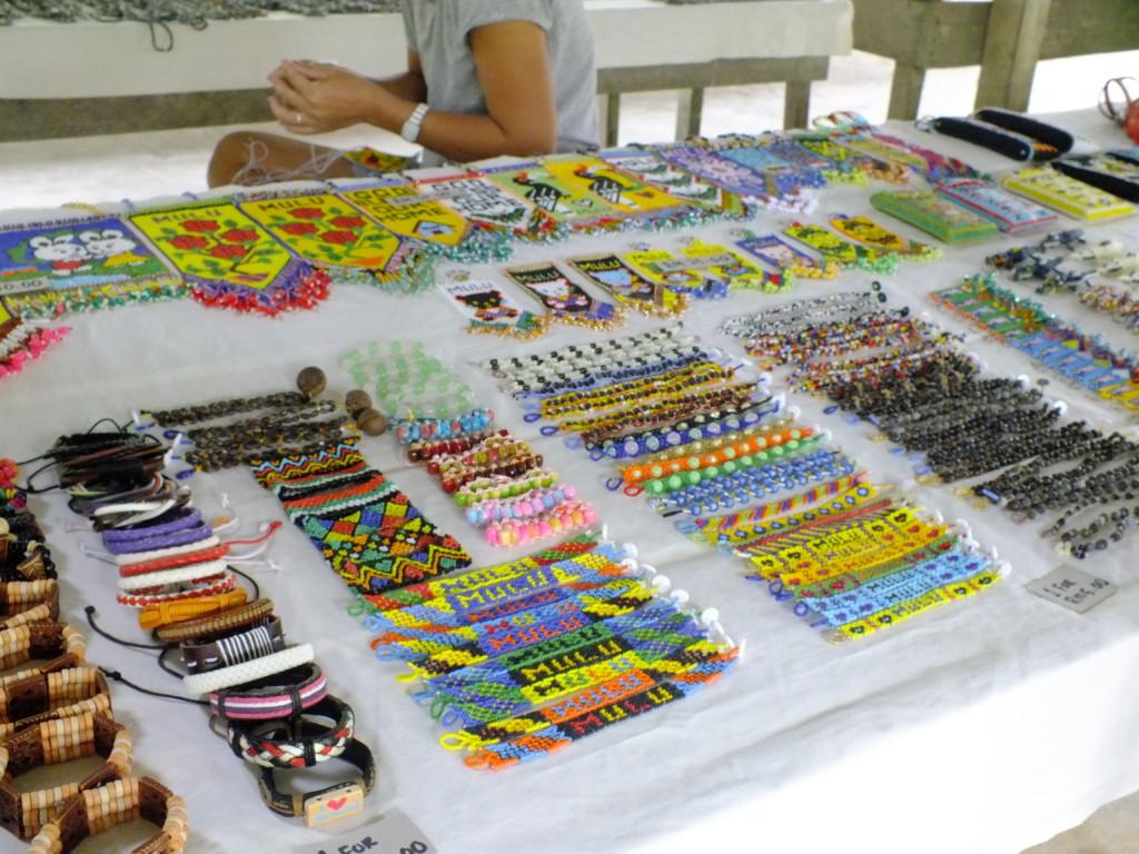 ペナン族の市場  グヌン・ムル国立公園 2012.7.26