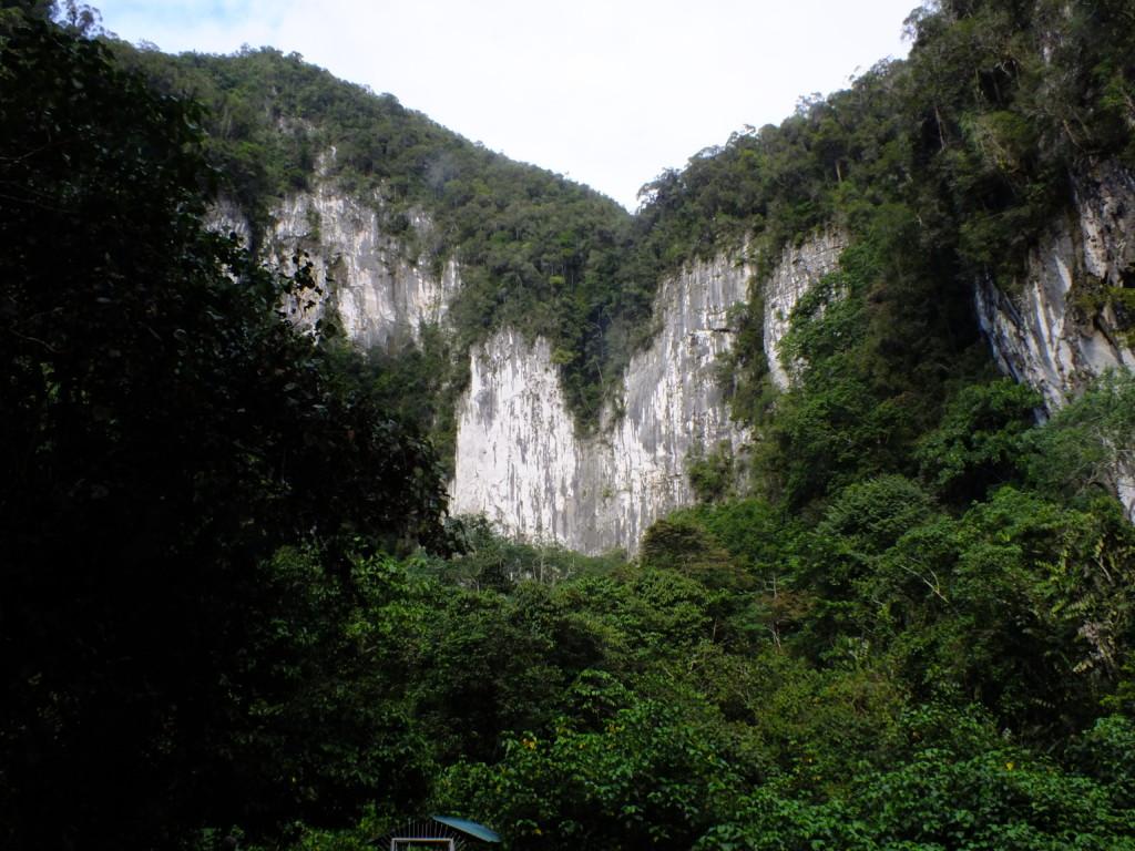 コウモリのいるディアケイブ  グヌン・ムル国立公園 2012.7.26