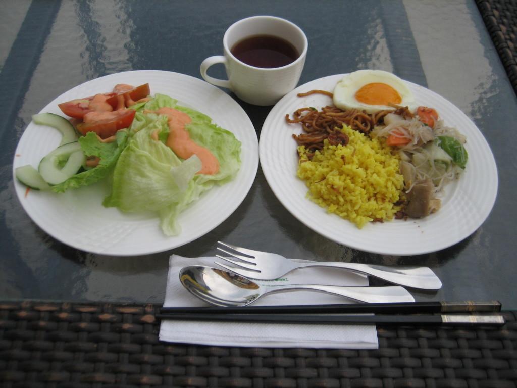 朝食例 ガヤセンターホテル 2012.6.29