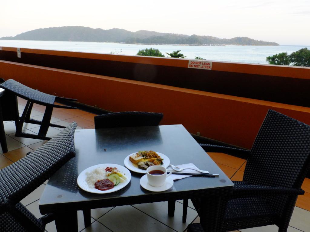 海を見ながらの朝食 2017.2.14海を見ながらの朝食 2017.2.14