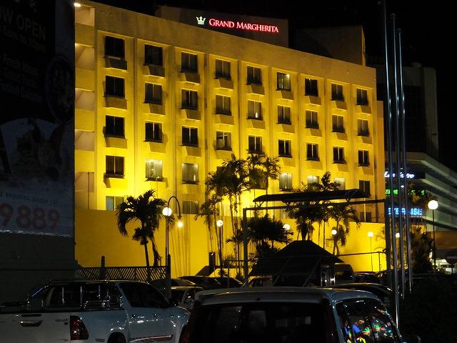夜のグランドマルゲリータホテル