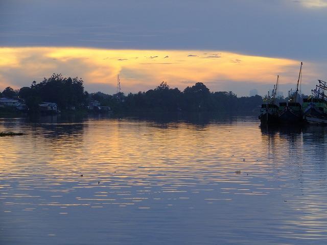 サラワク川の朝