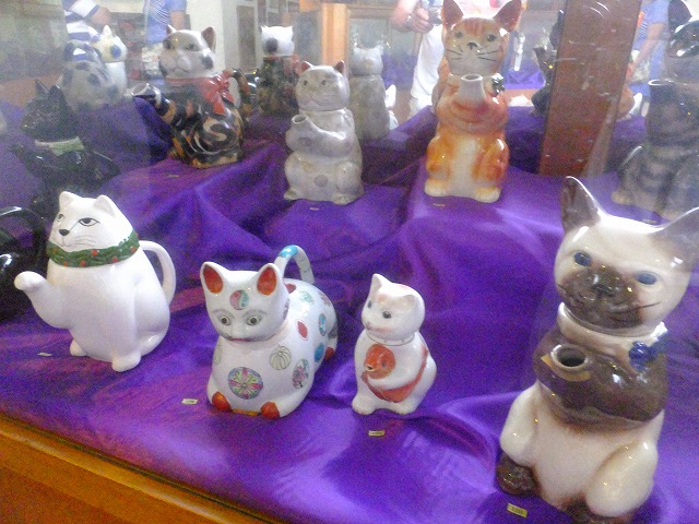 ネコの人形