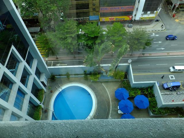 スイスガーデンホテルのプール
