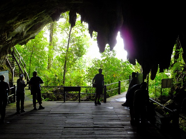 グヌンムル国立公園の洞窟